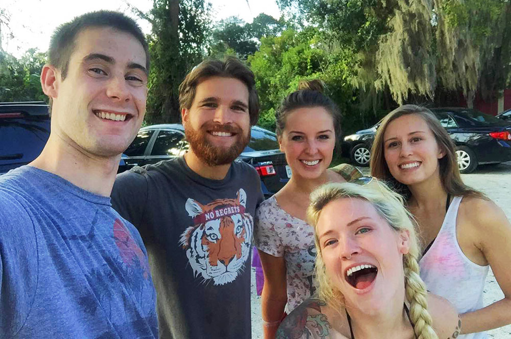 A group photo of our new Couchsurfing friends