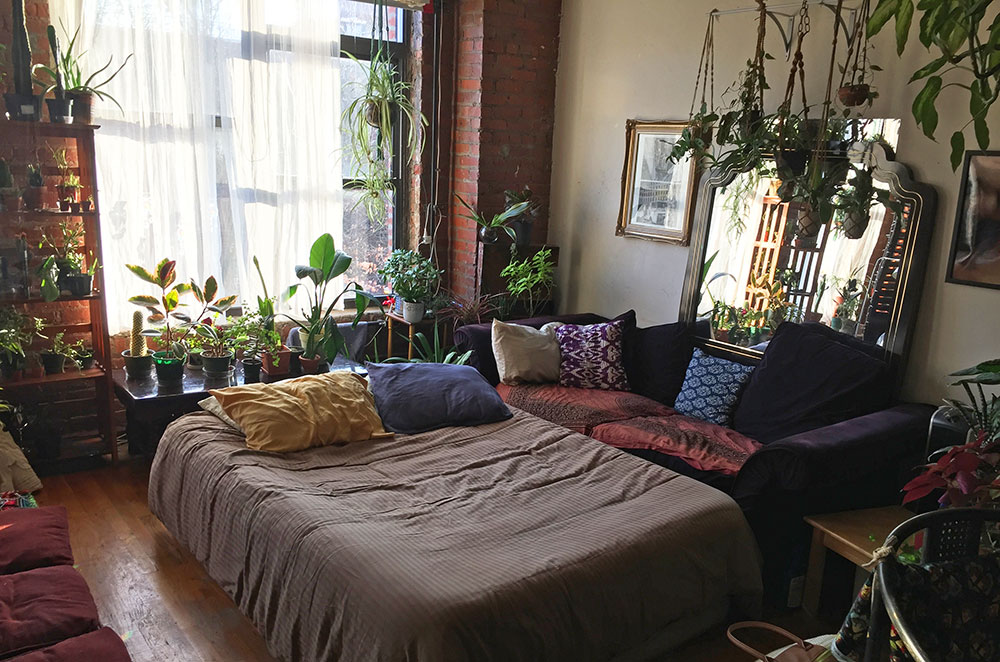 One of the beds from our Williamsburg Airbnb rental where we celebrated New Years in New York City for our tenth airbnb experience