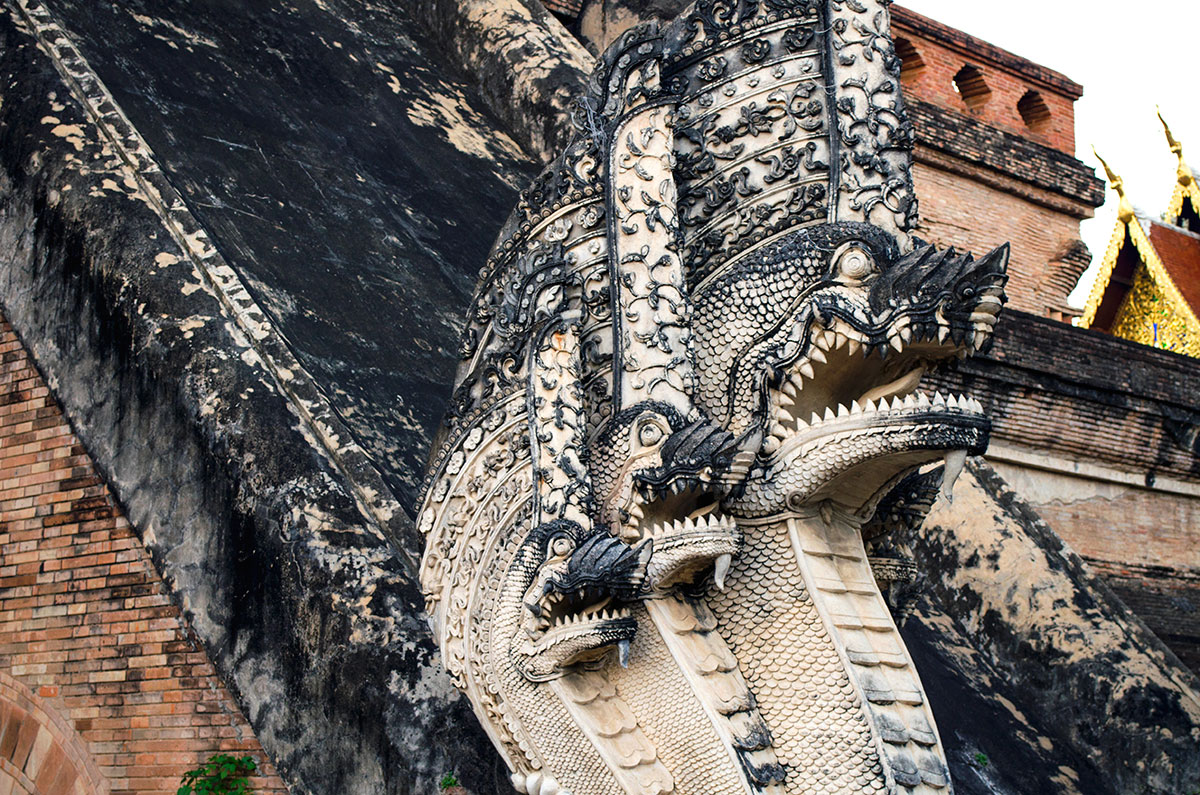 Dragon sculptures on Chiang Mai's Wat Chiedi Luang