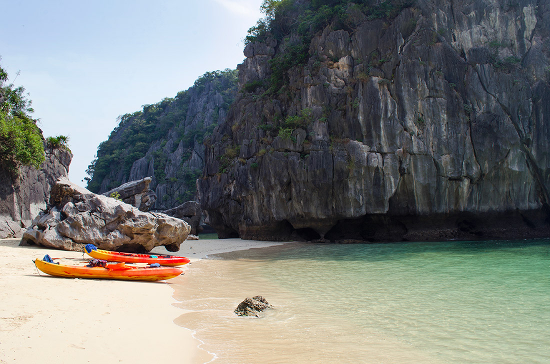 The private beach of Three Peaches Beach in Halong Bay